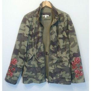 Mi ami Camo Embroidered Jacket Size M